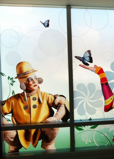 Imagerie DB has printed graphics for major clients like Cirque Du Soleil.