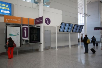 The new connection centres are designed to help passengers transfer flights more quickly. In addition to gate information, they indicate estimated walking times to each zone.