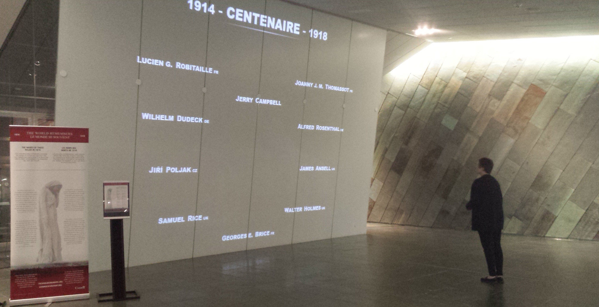 The Canadian War Museum presents The World Remembers (CNW Group/Canadian Museum of History)