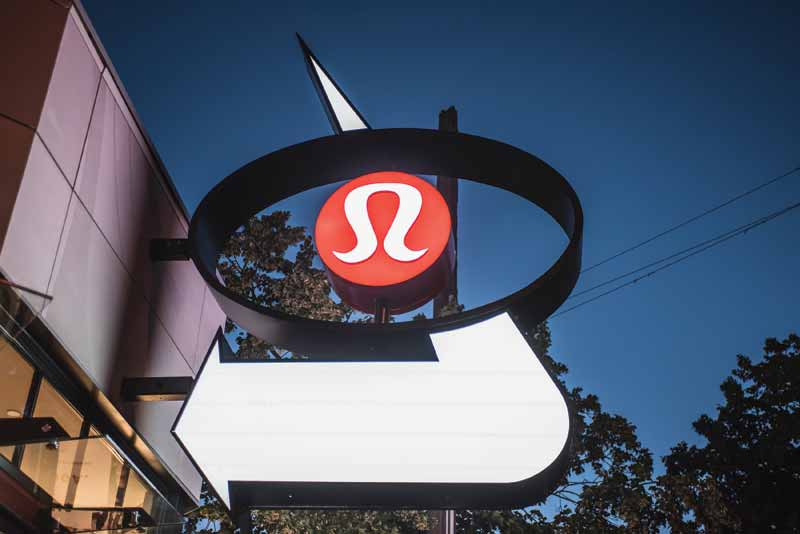 When planning the build, Lululemon wanted to pay homage to the area surrounding the site, as well as to the long-standing Midas Auto Service Centre itself.