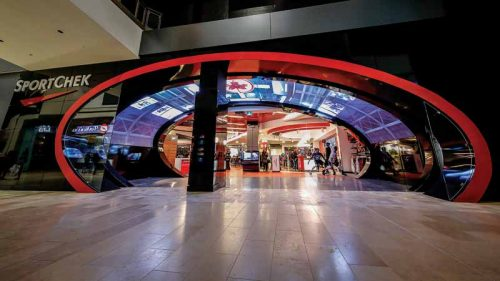CURVE Buildings such as airports, shopping malls, sports arenas, and corporate campuses often feature atypical architectural elements that complicate the display integration process and, while a faceted facsimile will not necessarily align flush in these spaces, displays built with curved boards will.