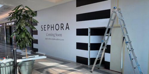 Warwick Printing, a full-service printing company, recently installed a huge storefront wall graphic to promote a new Sephora store in Park Place Mall in Lethbridge, Alta.