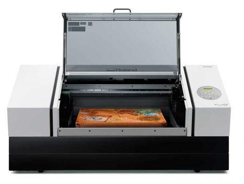 Benchtop flatbed ultraviolet (UV) printers like Roland DG's VersaUV LEF2-300D, with a height clearance of 199.9 mm (7.87 in.), allow direct printing on a wide range of objects  and address the ongoing demand for customized gifts.